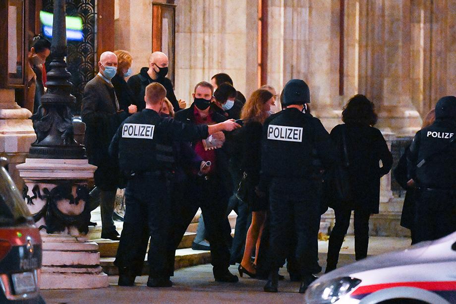 В результате атаки в Вене погибли два человека, к теракту могут быть причастны джихадисты.