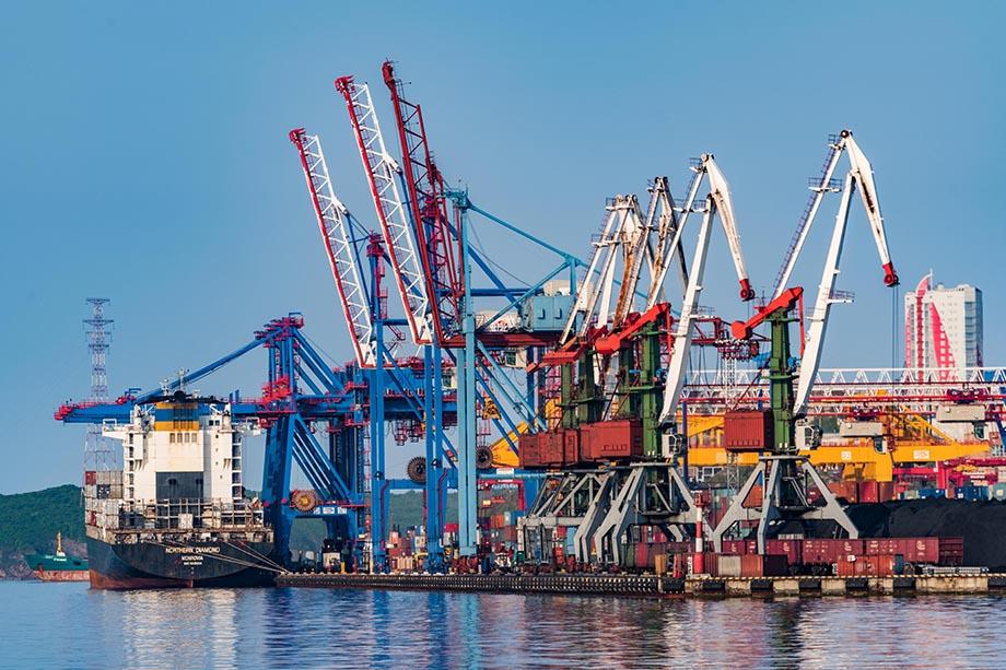 Предприятие ежегодно доставляет более 200 тысяч тонн грузов на территорию Крайнего Севера, Сибири и Дальнего Востока.