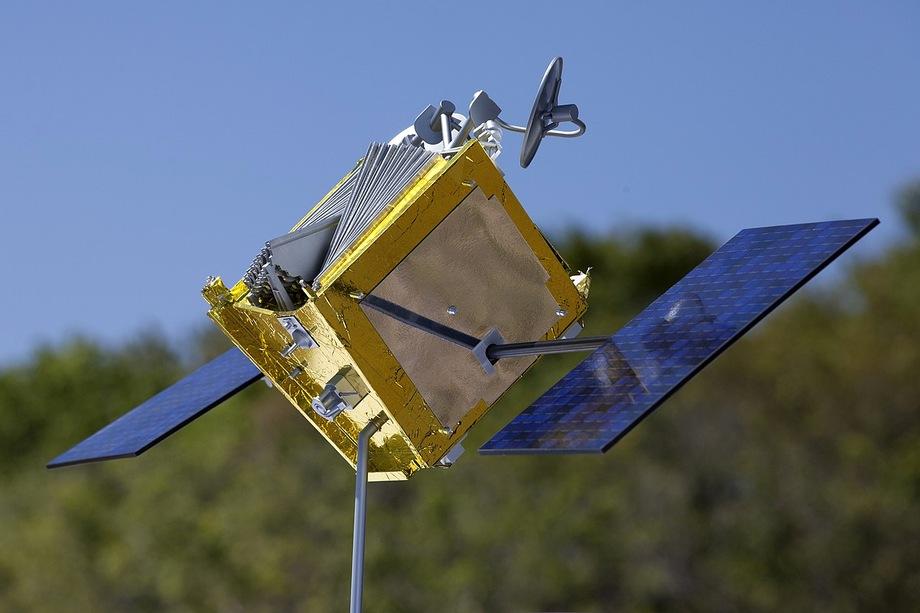Модель спутника OneWeb.