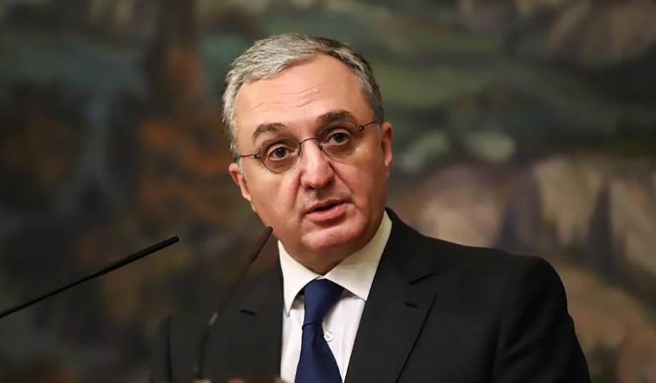 Ранее премьер-министр Армении Никол Пашинян планировал уволить Зограба Мнацаканяна с должности главы республиканского МИД.