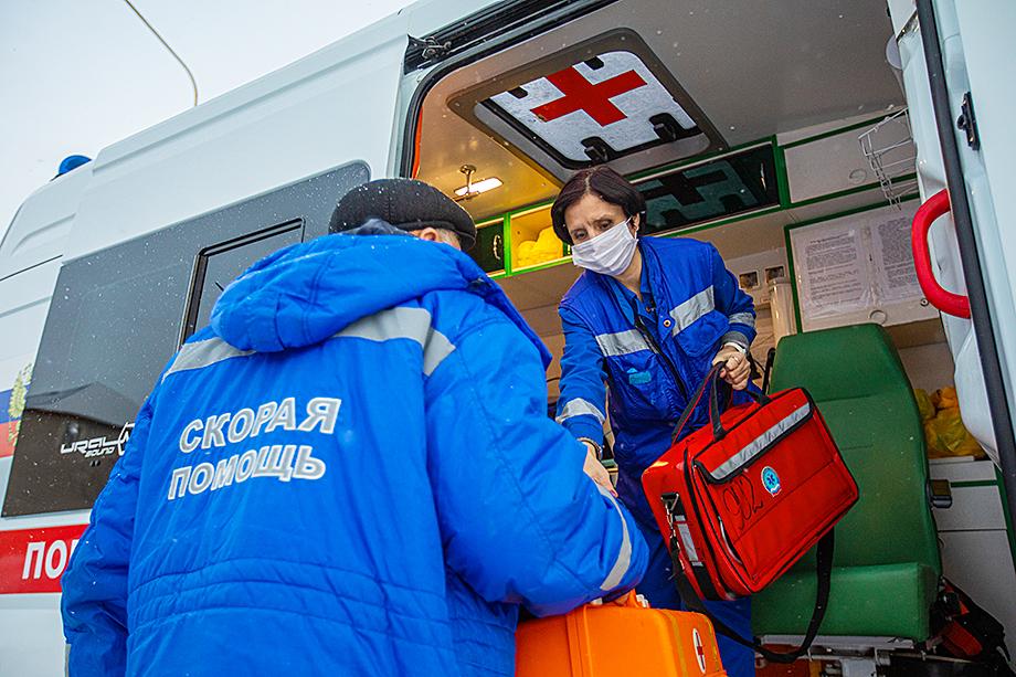 Водители скорой помощи являются полноценными участниками бригады, которые могут оказывать и первую медицинскую помощь.