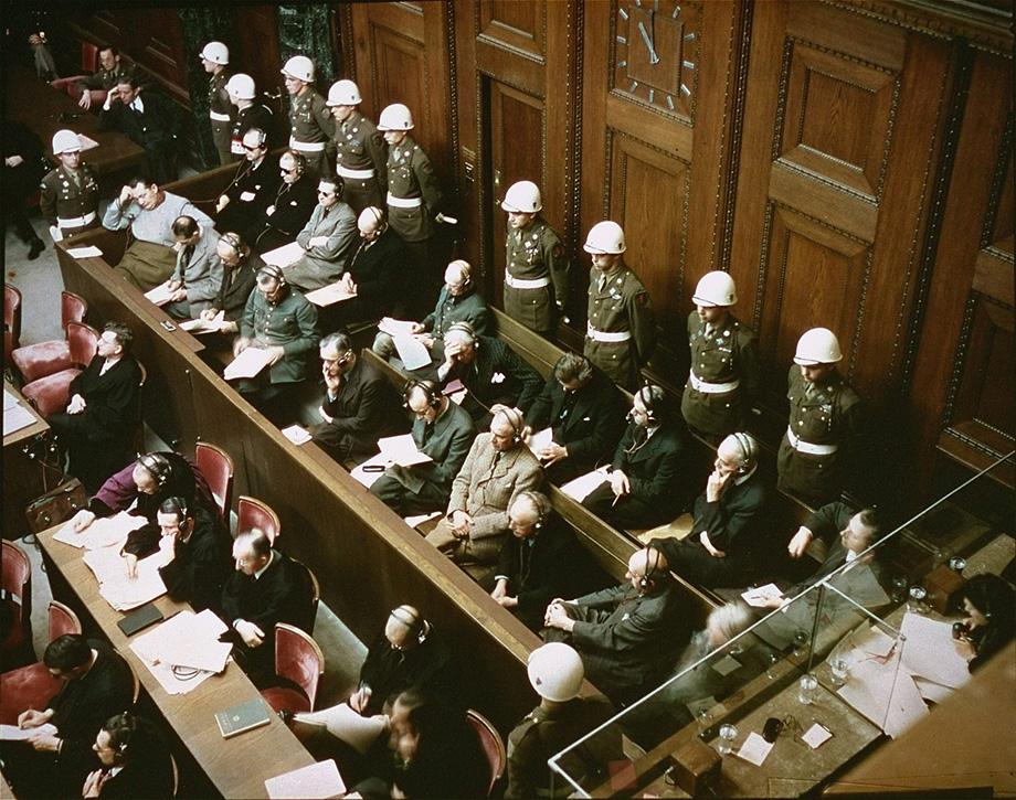 Нюрнбергский трибунал был сформирован на паритетных началах из представителей четырёх стран – Великобритании, СССР, США и Франции.