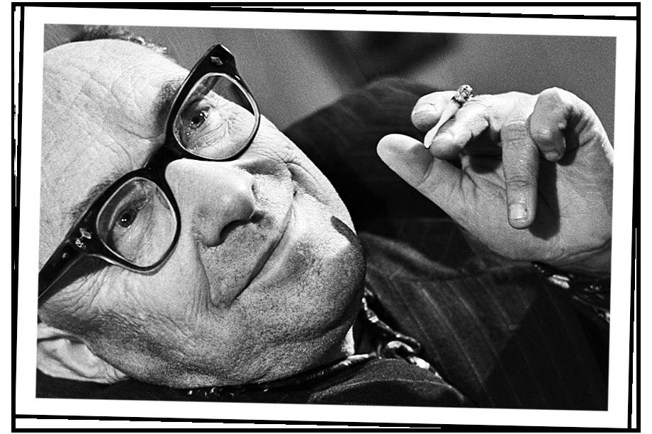 Советский физик, изобретатель «Телефота» (системы передачи движущегося изображения) Борис Павлович Грабовский. 1965 год.