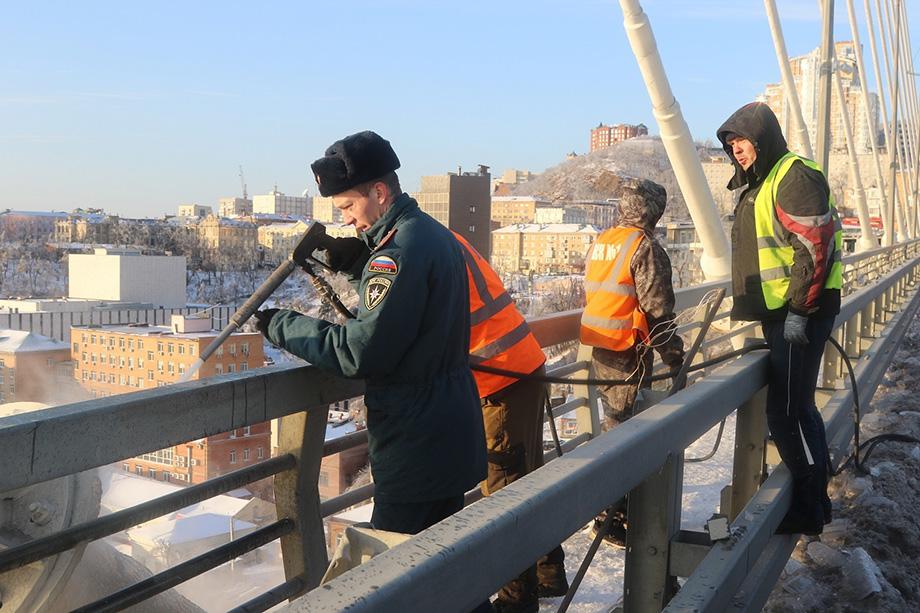 В восстановительных работах задействовали более 300 человек и 70 единиц техники.