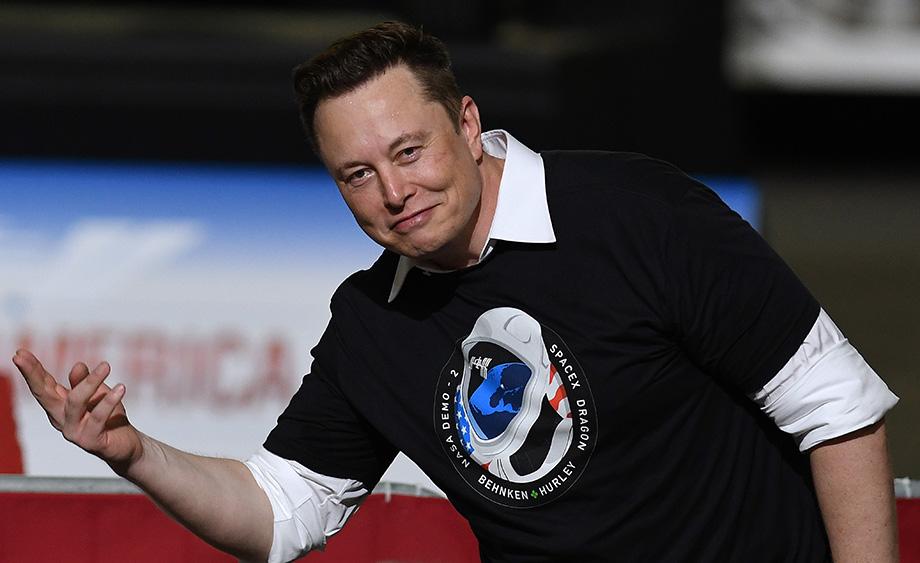 За последний год состояние Илона Маска увеличилось примерно на 100 млрд долларов.