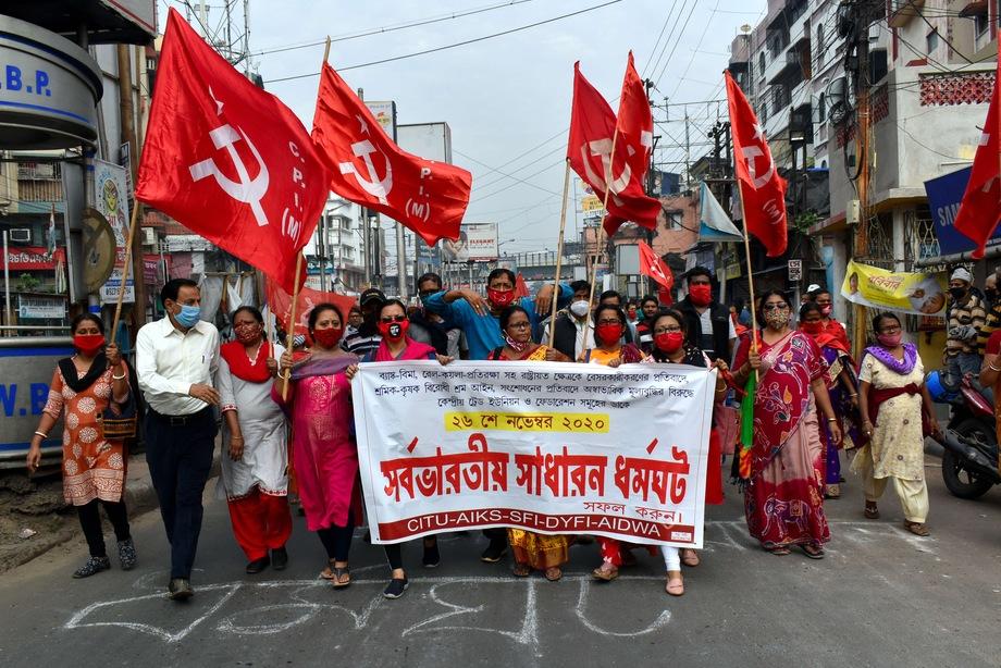 Индийские профсоюзы заявили о самой массовой однодневной забастовке в мире.