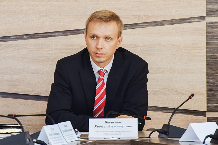 Вице-мэр Евпатории и бывший прокурор Кирилл Вавренюк обвинён в получении взятки.