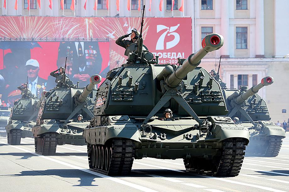 24 июня во время торжественного проезда по Красной площади заглохла «Коалиция-СВ», ходовая часть которой производится на «ЧТЗ-Уралтрак».