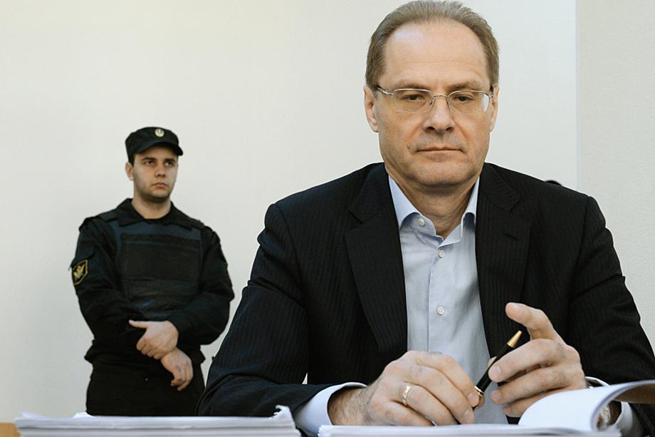 После ухода с завода Василий Юрченко построил политическую карьеру – прошёл путь от первого замглавы администрации Новосибирской области до губернатора.