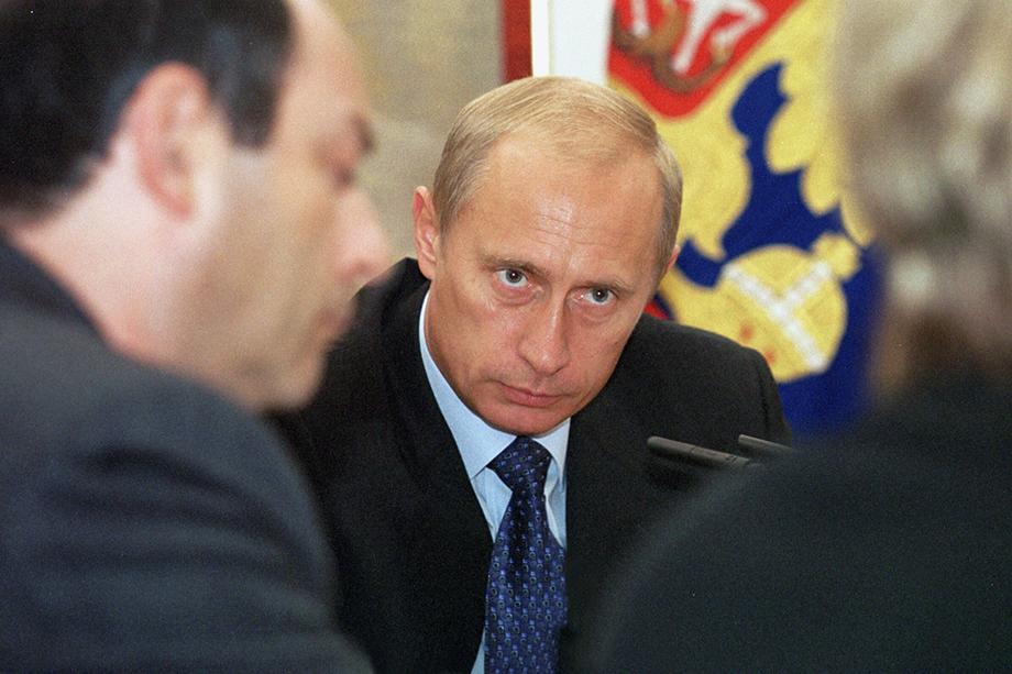 Любое событие в России 2000-х становилось поводом для новой информационной атаки на Путина.