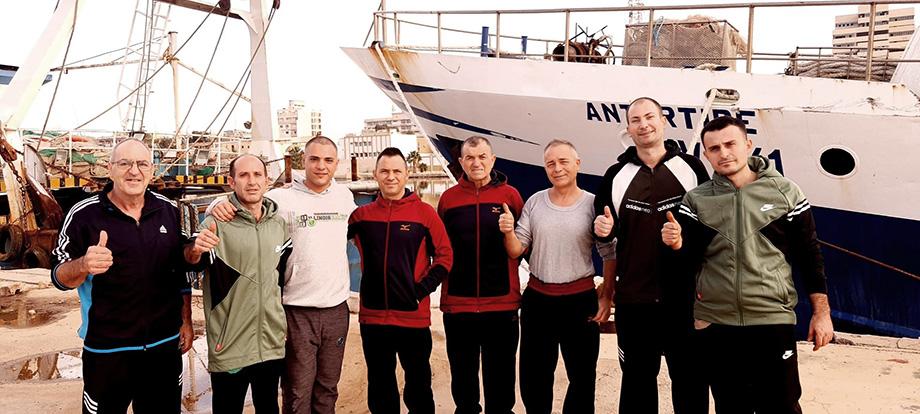 Итальянские моряки находились в плену в Ливии более ста дней.