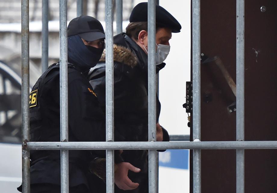 3 ноября мэр Томска Иван Кляйн был задержан сотрудниками ФСБ, позже суд отправил его под арест на два месяца.