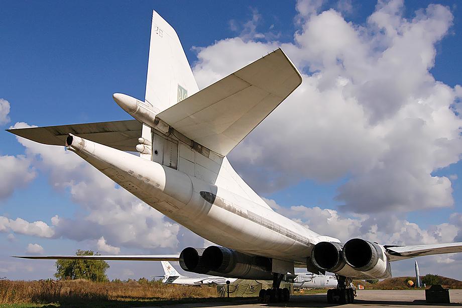 Ту-160 в авиационном музее Полтавы.