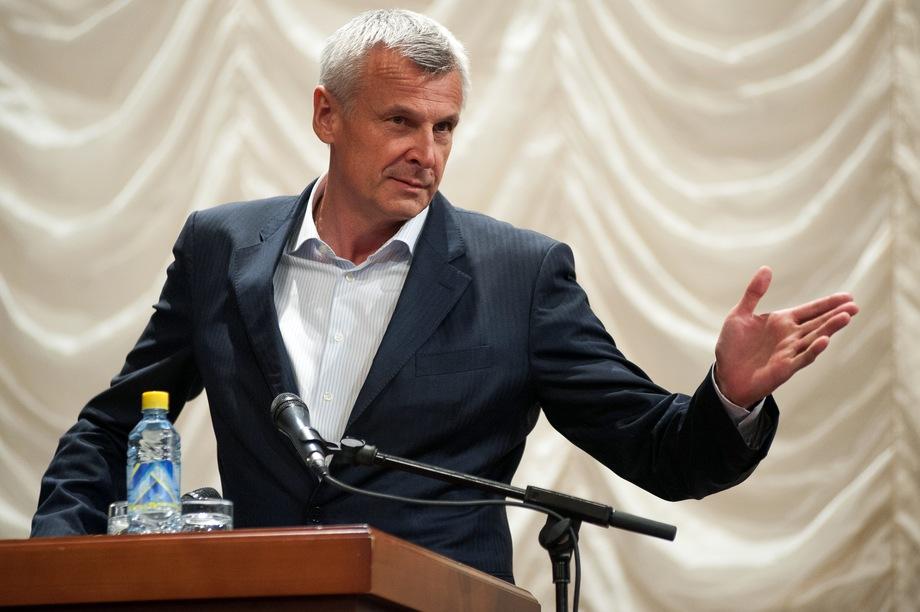 Сергей Носов был избран на пост мэра Нижнего Тагила в 2012 году, а в 2018-м оставил должность, став врио главы Магаданской области.