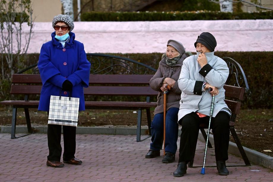 Формально «подбородочники» тоже носят маски, поэтому их причисляют к тем, кто всё-таки исполняет предписание Роспотребнадзора.
