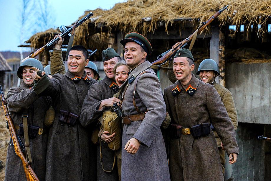 Кадр из фильма «Подольские курсанты».