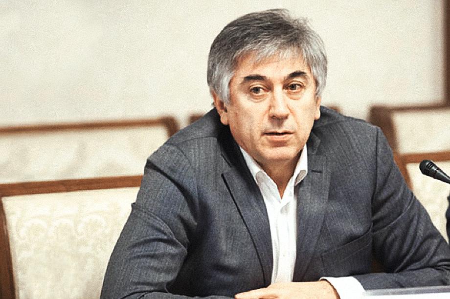 В ходе следствия было установлено, что некоторые документы на землю подписывал бывший главный архитектор Всеволожского района Эдуард Акопян.