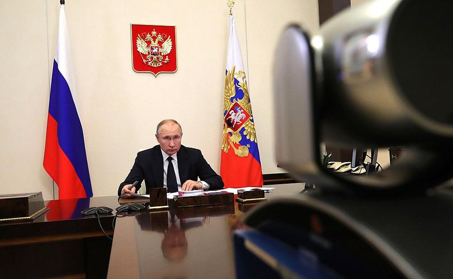 Владимир Путин отметил, что Удмуртия – это оборонный край, где действительно очень много предприятий оборонно-промышленного комплекса.