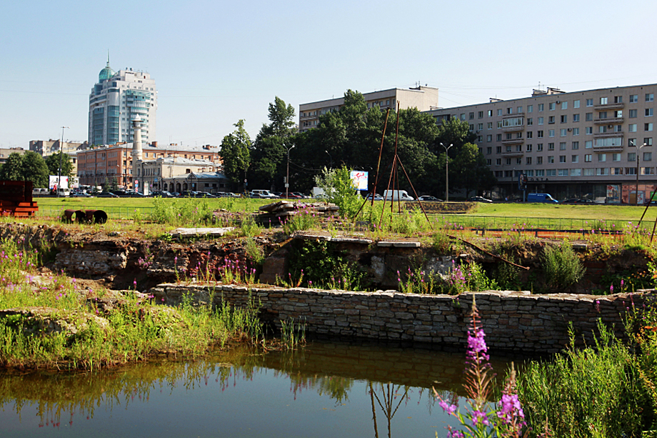 Найденные памятники занимают около 80 процентов территории Охтинского мыса, а значит, находятся в зоне застройки.