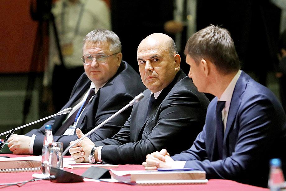 Первые звоночки в адрес Минэкономразвития появились в апреле, когда Михаил Мишустин публично отчитал Решетникова за неполное исполнение поручений президента.