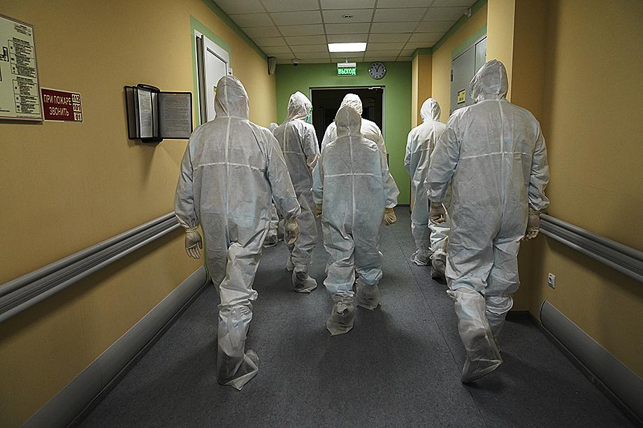 Центральный федеральный округ только за несколько месяцев 2020-го лишился 3 тысяч врачей и медсестёр.