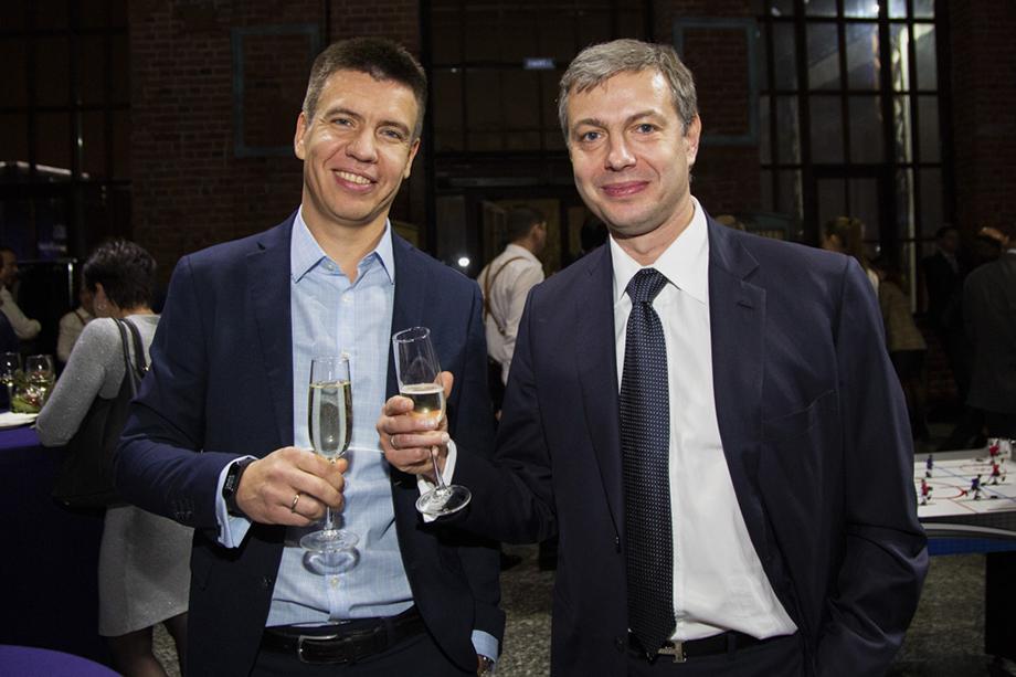 Несмотря на попытки стереть в интернете упоминания о судимости Александра Ушакова (на фото справа), его прошлое стало прелюдией к тому, что ему не удалось войти в совет директоров «Росэнергобанка».