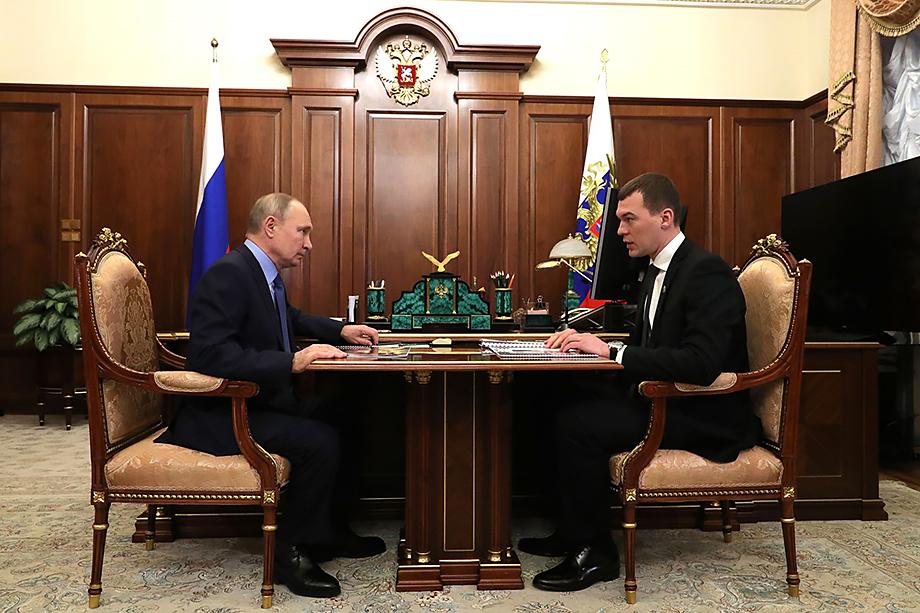 Во время беседы Михаил Дегтярёв попросил российского лидера поддержать проект развития Большого Уссурийского острова.