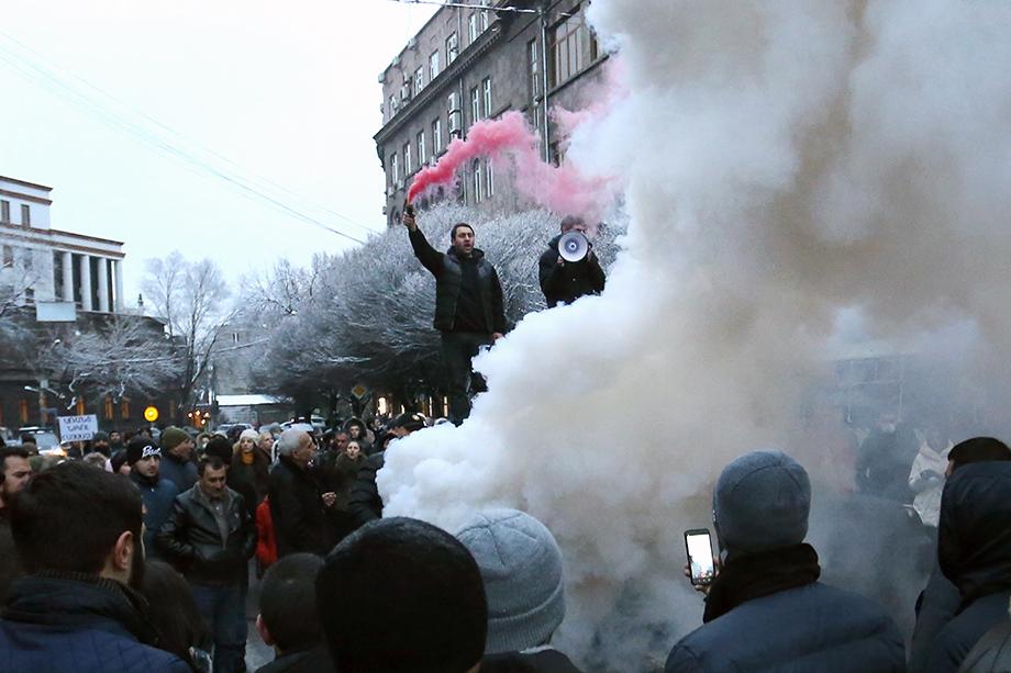 Митинги за отставку Пашиняна проходят сейчас в Армении буквально ежедневно.