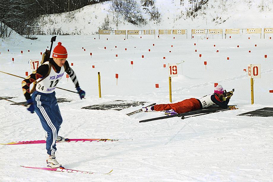 Соревнования по биатлону «Олимпийские надежды» на универсальной спортивной базе «Динамо» в Екатеринбурге. 23 января 1997 года.
