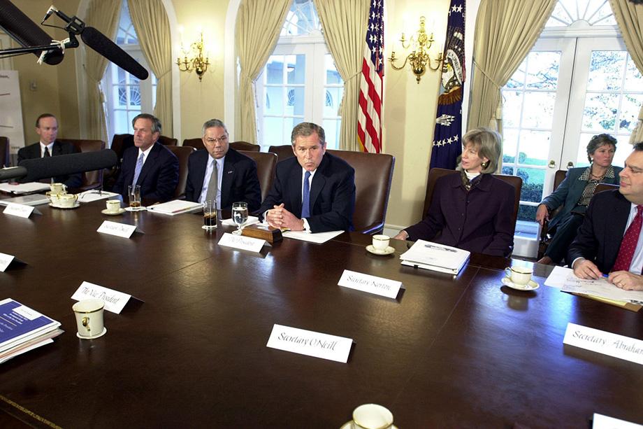 17 марта 2001 года Джордж Буш подписал так называемую Национальную энергетическую стратегию США, самым, скажем так, неожиданным пунктом которой стало увеличение доли природного газа в топливно-энергетическом балансе страны.