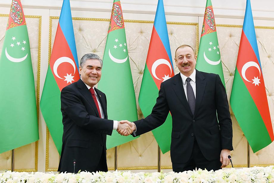 Подписание азербайджано-туркменского меморандума на разработку месторождения «Достлуг». Одобрено Турцией.
