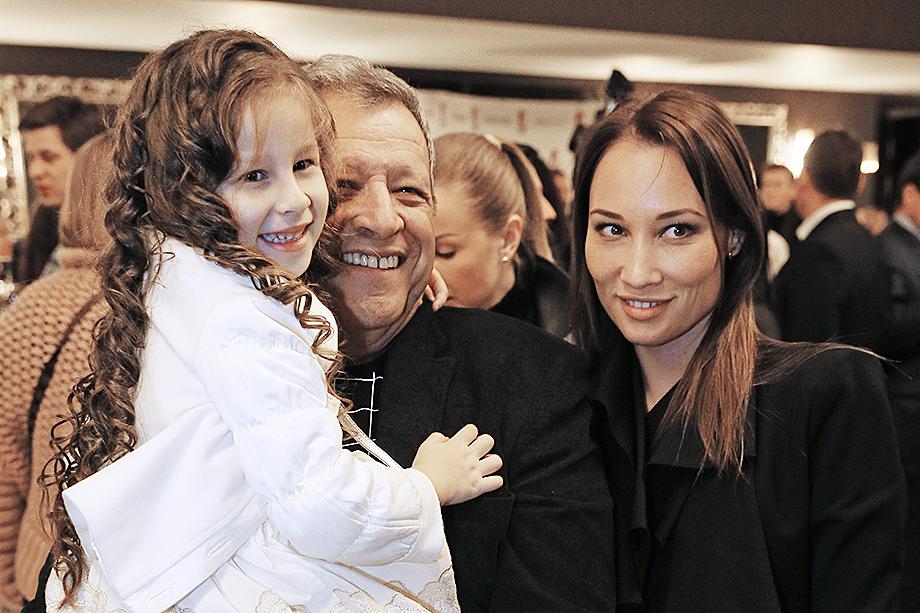 Борис Грачевский с женой Екатериной Белоцерковской и дочерью от второго брака Василисой.