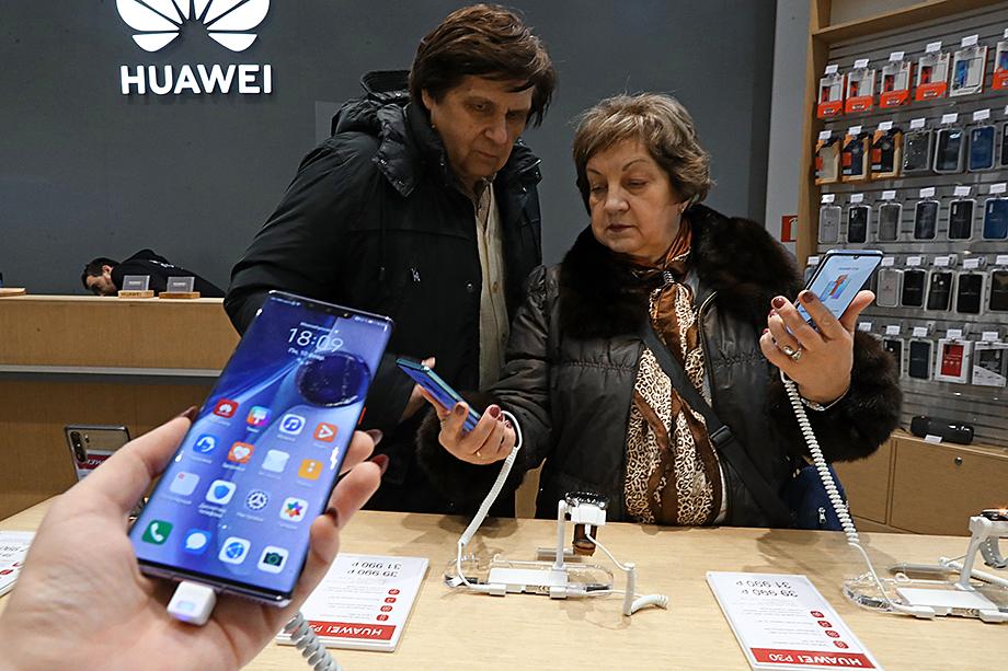 Компания Huawei одна из первых приступила к работе по предустановке российского программного обеспечения.