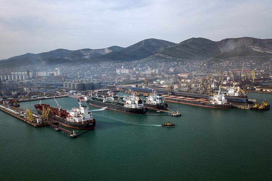 Ещё одной потенциальной федтерриторией может стать так называемое Причерноморье: здесь расположены и уникальные природные объекты, и предприятия стратегического значения – порты и верфи.