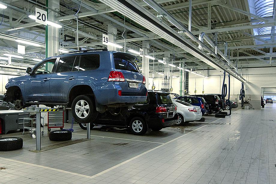 Среди предложений РОАД есть вопросы законодательного регулирования – ограничения на реализацию автомобилей продавцами, которые не имеют в собственности сертифицированных СТО.