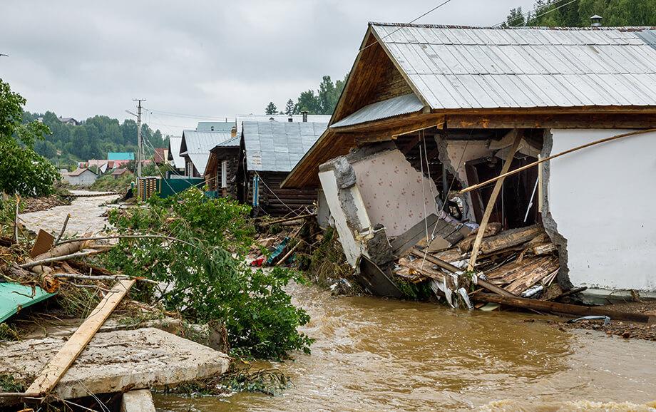 Нижние Серги за одну ночь превратились в зону чрезвычайной ситуации.
