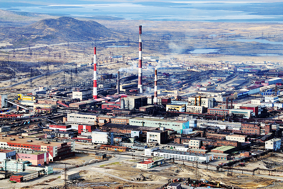 В своё время канадская Barrick Gold планировала перерабатывать концентрат, добытый на «Фёдоровой тундре» на мощностях «Североникеля».