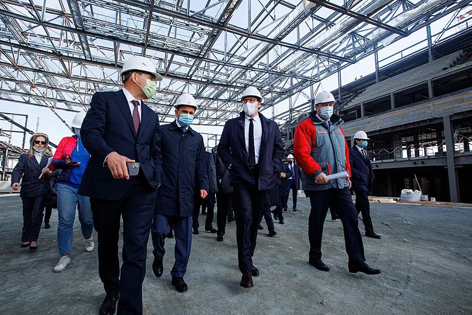 Стройплощадка Деревни Универсиады стала первой точкой визита вице-премьера.