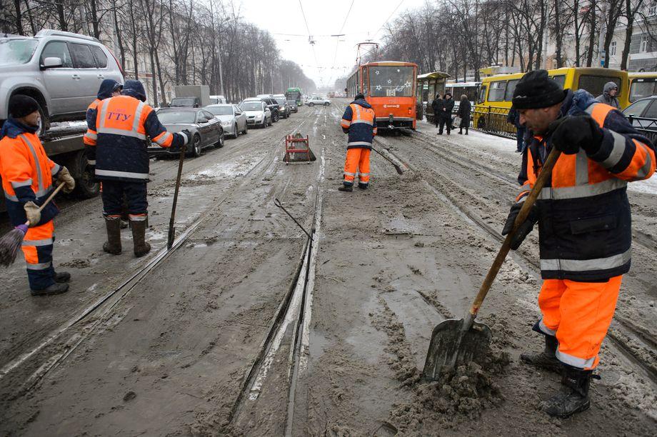 В ходе доклада был поднят и вечный вопрос о качестве уборки дорог города.