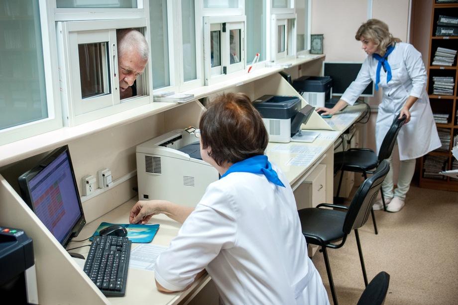 Не желая судиться со страховыми компаниями, в больницах всё чаще стали отказывать в бесплатном лечении.