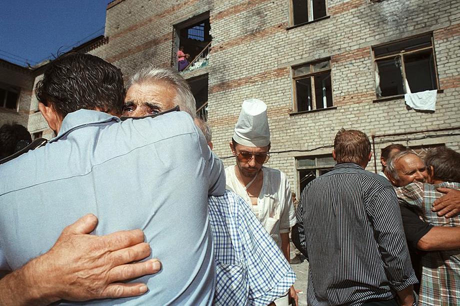 Большая часть заложников была освобождена после принятия политических требований Басаева.