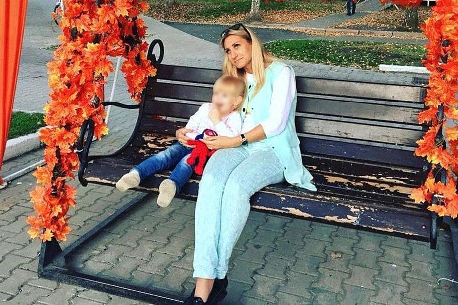 Согласно заключению судебно-медицинской экспертизы, Ксения больше привязана к своей матери.