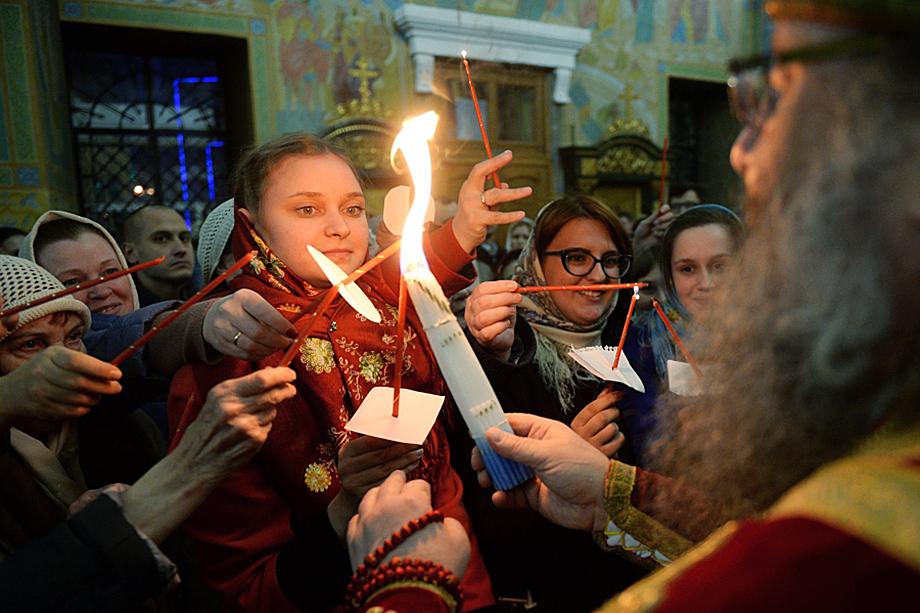 Благодатный огонь прибудет во время богослужения в Свято-Троицкий собор.