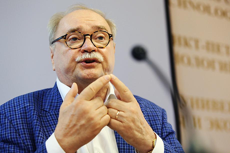 Пресс-конференция Владимира Бортко на тему снятия его кандидатуры с выборов на должность губернатора.
