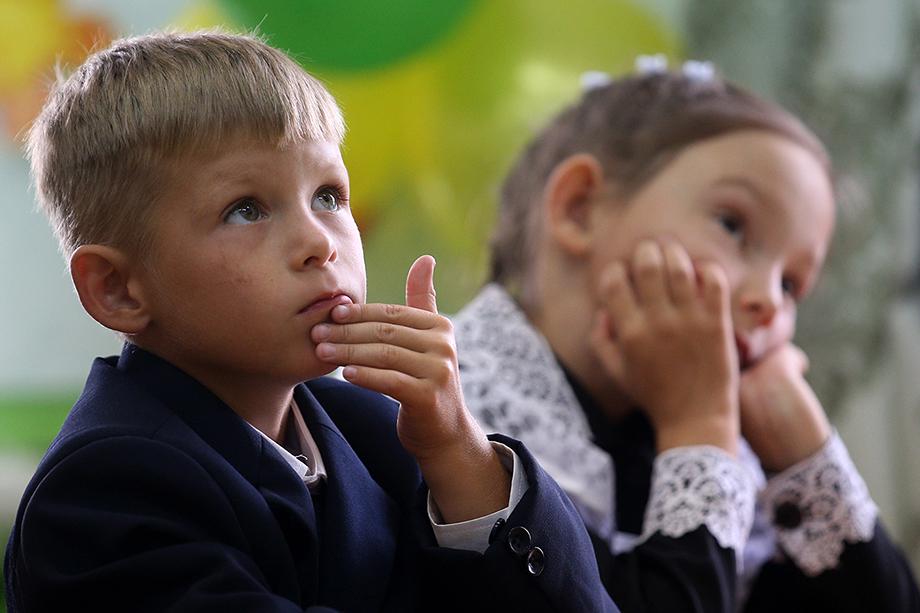 Решение об обучении с применением дистанционных технологий руководители школ будут принимать самостоятельно.