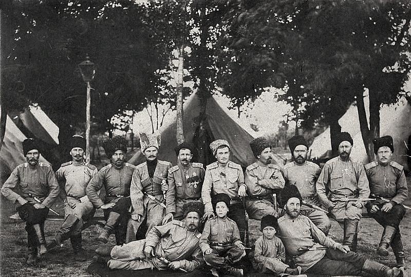 Кубанские казаки. Май 1916 года.