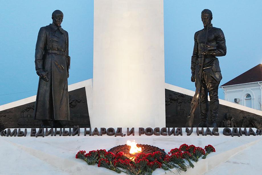 Памятник в честь 100-летия окончания Гражданской войны в Севастополе был открыт 22 апреля 2021 года.