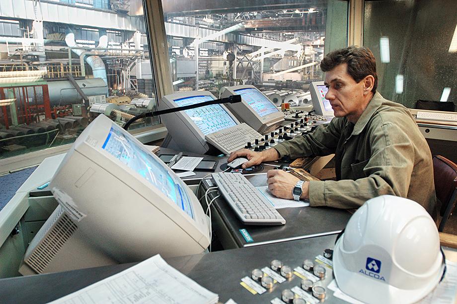 2005 год. Пульт управления станом горячей прокатки ZIMAG-1800 на Самарском металлургическом заводе.