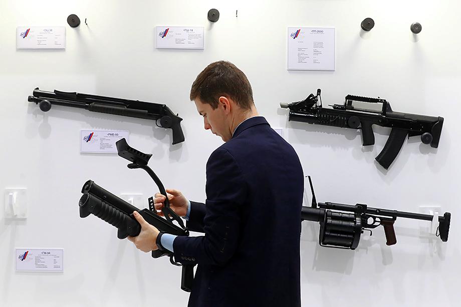 Формально использование магазинов, вмещающих более 10 патронов, в нашей стране запрещено.