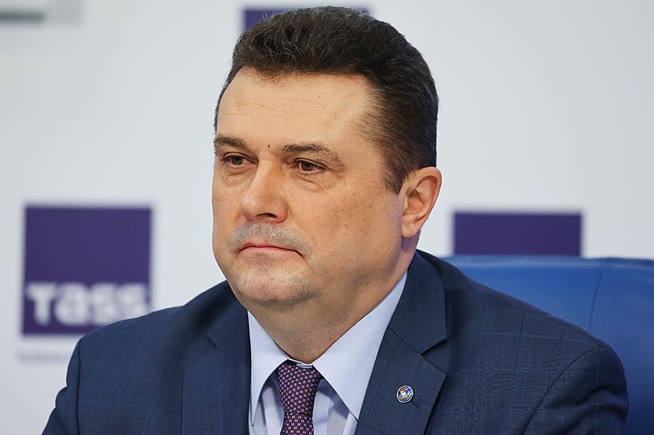 Председатель Союза журналистов России Владимир Соловьёв назвал реформу СМИ Курганской области непродуманной и несвоевременной.